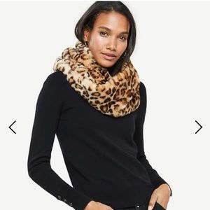 Bebe faux fur cheetah snood, brand new